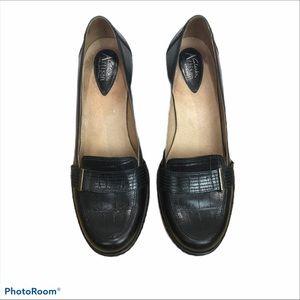 "Clarks artisan 2"" chunky heel dress shoe"